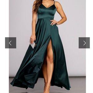 Windsor black formal dress